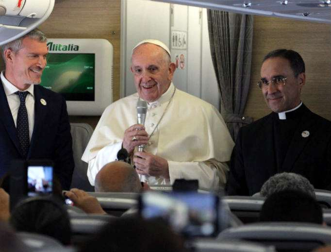 Pope Francis Says It's an 'Honor' to be Criticized by Americans
