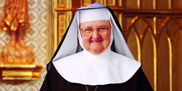 Mother Angelica describes her vision of the Divine Child Jesus