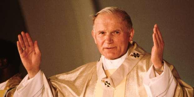 8 Tips from St. John Paul II on prayer