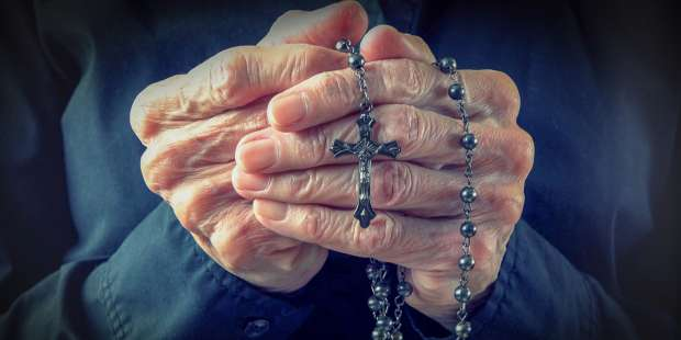 Tiny reflections that will make your Rosary into a real meditation