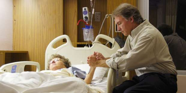 A powerful prayer for the healing of a loved one