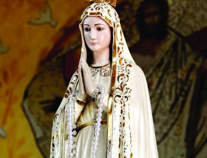 Praying the Rosary With Mary as a Family