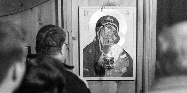 Do Catholics worship the Virgin Mary?