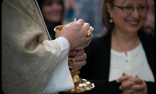 Why Non-Catholics Cannot Receive Communion at a Catholic Church (and Vice-Versa)