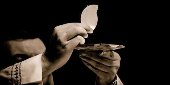 Refresh your soul with this powerful prayer before communion