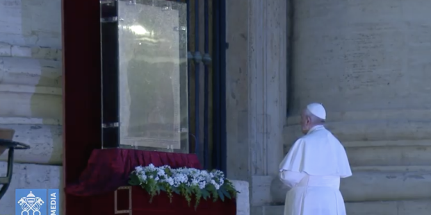 The image of Mary that Pope Francis wanted present for his 'Urbi et Orbi' blessing