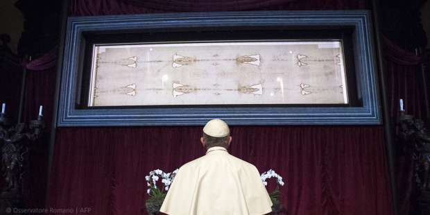 Watch the live-streaming of the Holy Shroud of Turin here