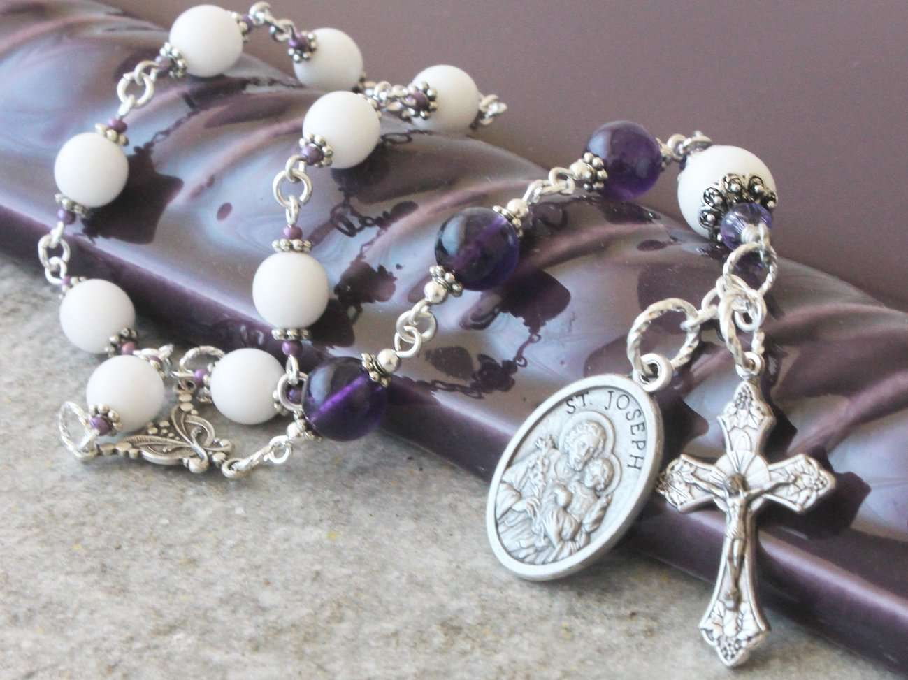 How to pray the Rosary of St Joseph