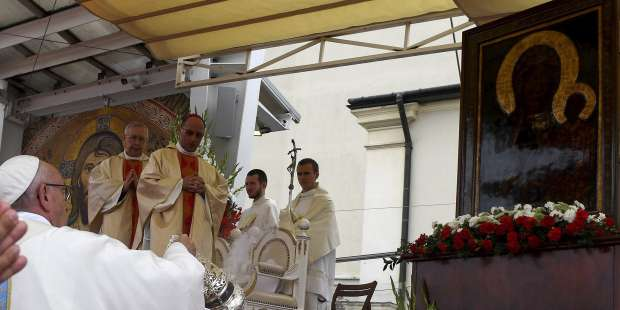 Pope urges Polish faithful to ask Our Lady for end of pandemic