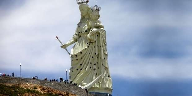 World's largest Statue of Mary is in Bolivia