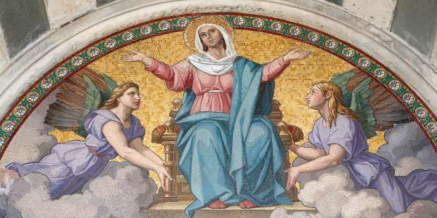 Place yourself under Mary's protection with this prayer