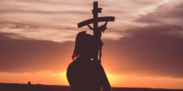 The paradox of living in unity with the cross of Christ