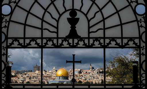 5 Reasons why Christians in the Holy Land need our help