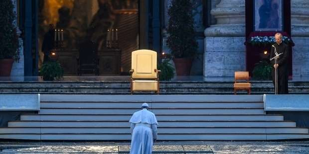 """Pope reflects on extraordinary """"Urbi et Orbi"""": Says he was afraid of slipping on the stairs"""