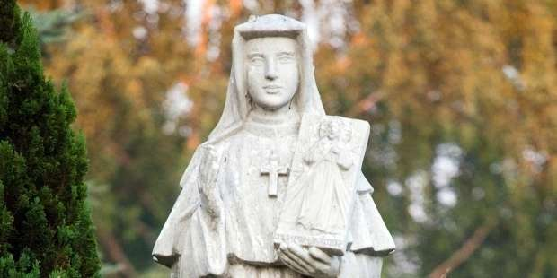 Feeling alone or isolated? Pray this prayer by St. Faustina