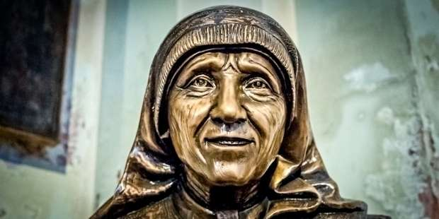 Struggling to care for someone who needs you? Use Mother Teresa's prayer