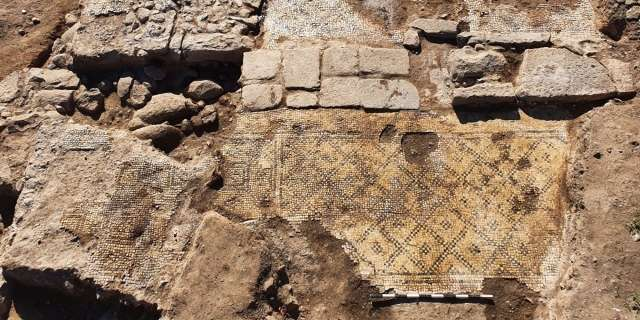 """""""Christ born of Mary"""" inscription found in ancient church in Israel"""