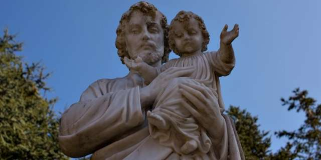 A powerful prayer to St. Joseph for the conversion of a family member