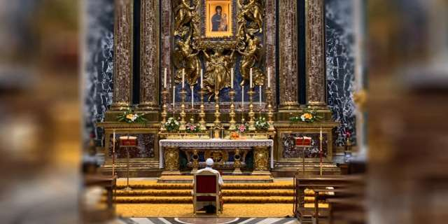Pope entrusts Iraq visit to Our Lady with trip to Roman basilica