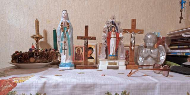 9 Items you'll find in a French Catholic home