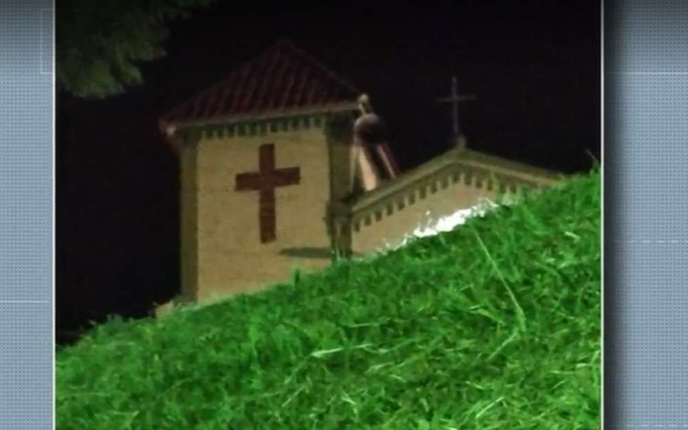Children claim Mary appeared at a Brazil Church telling them to pray