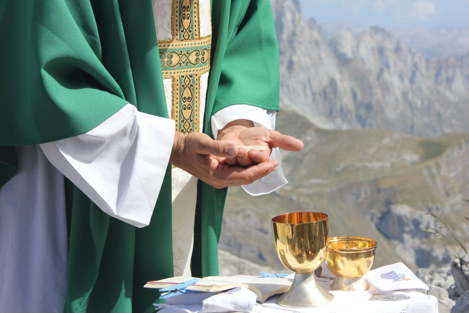 4 Things You Need To Know About 'Offering A Mass' For A Loved One