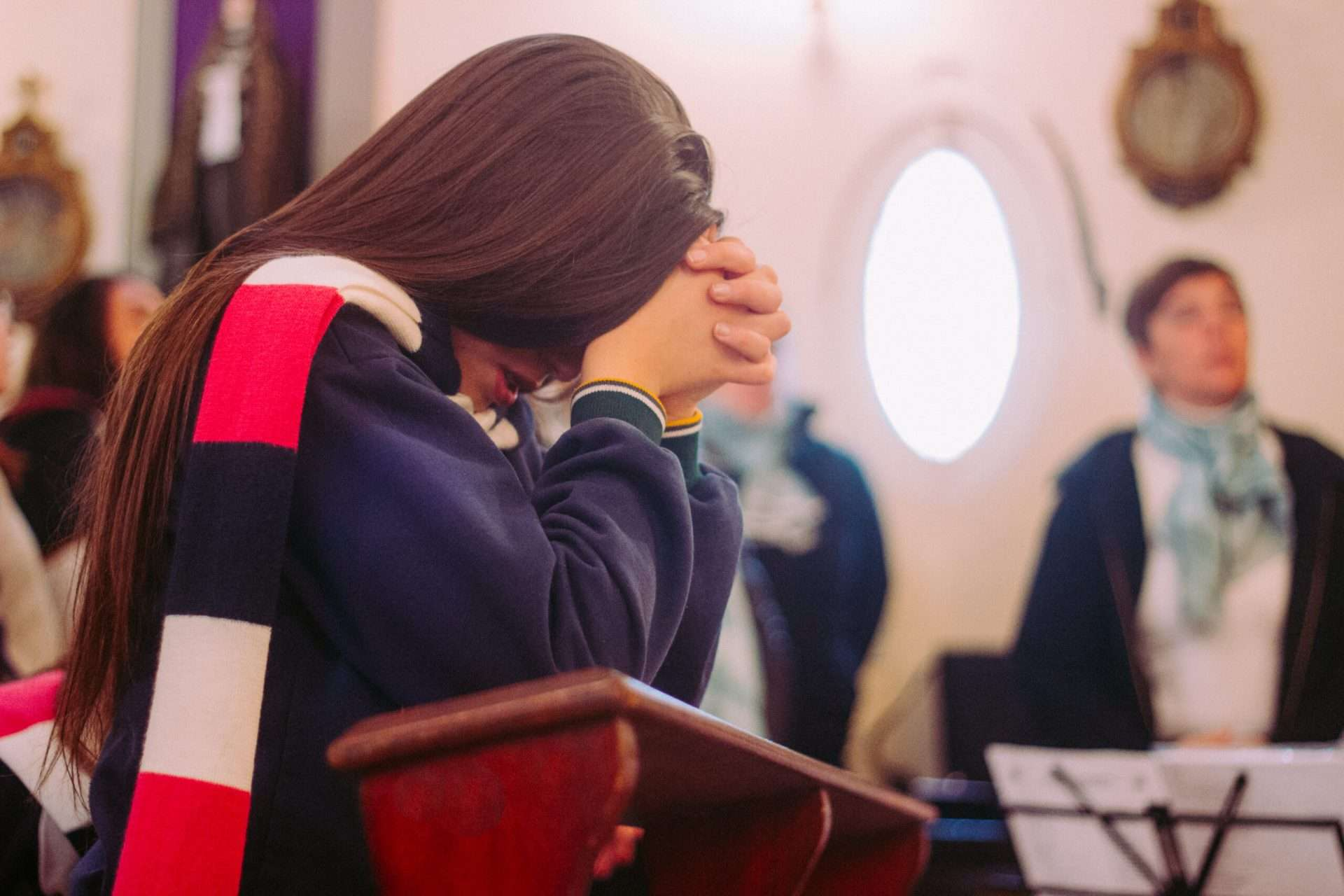 7 Tips to Help You Stay Focused at Mass